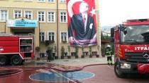 Kocaeli'de Bahçesindeki Prefabrik Yanan Okul Tatil Edildi