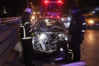 Kocaeli'de Otomobil Kamyonete Çarptı Açıklaması 2 Yaralı