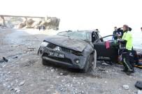 KILIMLI - Kontrolden Çıkan Kamyonet Denize Uçtu Açıklaması 1 Yaralı