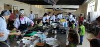 Minik Öğrenciler Davutlar MYO'da Mutfağa Girdi