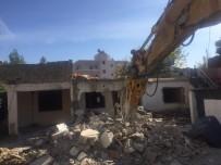 YAZ MEVSİMİ - Adıyaman Belediyesi, Şehri Şantiye Alanına Çevirdi