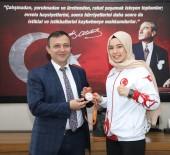 Dünya Üçüncüsü Sporcudan Rektör Çalış'a Ziyaret