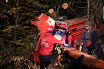 Kontrolden Çıkan Kamyon Ormana Uçtu Açıklaması 2 Yaralı