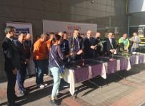 Mersin Adalet Sarayında Hükümlülerle Birlikte Fidan Dağıtıldı