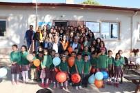 Öğretmen Adayları, İlkokul Öğrencilerini Ziyaret Etti
