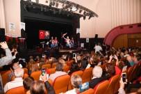 'Sahnede Atatürk Gecesi'