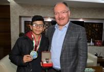 Şampiyondan Başkan Bilgin'e Ziyaret