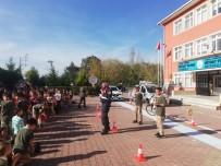 Samsun Jandarmadan 'Yaya Trafik Eğitim Parkuru'  Uygulaması