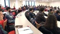 Üniversiteliler İnterneti 'Yalnız' Oldukları İçin Kullanıyor