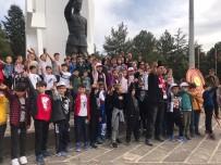 ATATÜRK EVİ - Uşaklı Öğrenciler Dumlupınar Şehitliği'nde