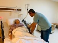 Başkan Oktay'dan Usta Oyuncu Karındaş'a Hasta Yatağında Ziyaret