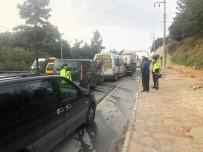 Bodrum'da Zincirleme Trafik Kazası Açıklaması 6'Sı Öğrenci 9 Yaralı