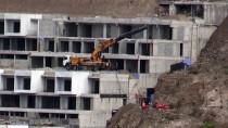 Bodrum'daki İmara Aykırı Yapıların Yıkımı Sürüyor