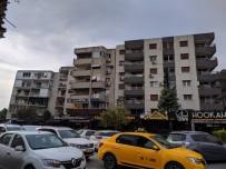 BOSTANLı - İzmir'deki Eğik Binalar Tahliye Ediliyor