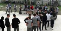 Öğrenci Velisi Okulda Hayır Düzenledi