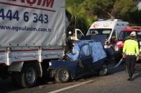 Otomobil Kamyona Arkadan Çarptı Açıklaması 1 Ölü