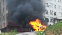 (Özel) Sultangazi'de Park Halindeki Cip Alev Alev Yandı