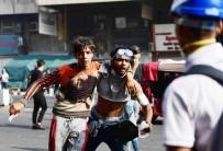 BOĞULMA TEHLİKESİ - Bağdat'ta Protestoculara Gaz Bombası Atılması Sonucu Ölü Sayısı 3'E Yükseldi