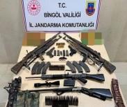 Bingöl'de İki Eve Operasyon Açıklaması Çeşitli Silahlar Ele Geçirildi