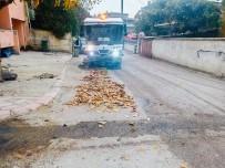 Körfez Belediyesi Çevre Temizliğine Devam Ediyor