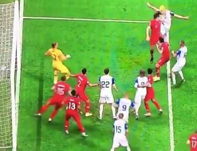 Merih Demiral'dan EURO 2020'yi getiren kurtarış!