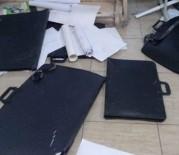 Öğrencilerin Eşyaları Merdiven Boşluğuna Atıldı, Soruşturma Başlatıldı