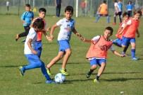 YUNUSEMRE - 'Tuncay Erkan Yaşarken Analım' Küçükler Futbol Şenliği Başlıyor
