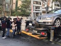 Bakırköy'de Ölen Aileye Ait Olduğu İddia Edilen Araç Emniyet Otoparkına Çekildi