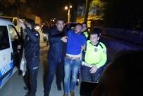 Kavgayı ayırmaya giden polislere ateş açıldı