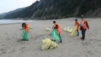 Öğrenciler Çatalzeytin İlçe Sahilini Temizledi