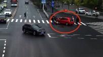 ZHEJIANG - Saniyeler İçinde Aracın Altından Çıkardılar