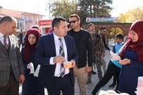 Varto Anadolu İmam Hatip Lisesi Öğrencilerinden Aşure Dağıtımı