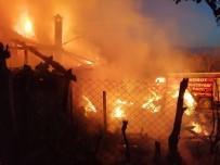 AHŞAP EV - Yangında Ahşap Ev Kullanılamaz Hale Geldi