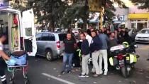 Ankara'da Topun Peşinden Caddeye Çıkan Çocuğa Otomobil Çarptı