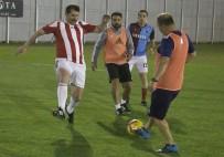 Sivasspor İle İl Protokolü Dostluk Maçı Yaptı