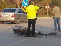 ÖLÜM HABERİ - Tire'de Trafik Kazası Açıklaması 1 Ölü, 1 Yaralı