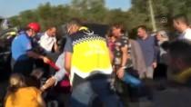 Bursa'da Minibüs İle Hafif Ticari Araç Çarpıştı Açıklaması 10 Yaralı