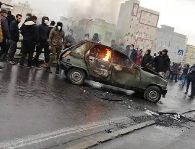 İran'daki gösterilerde bin kişi gözaltına alındı