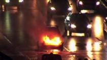 Otomobilde Çıkan Yangına Beton Mikserinden Çekilen Suyla Müdahale