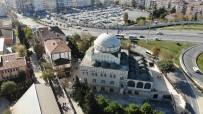(Özel) Avcılar'da Depremde Minaresi Yıkılan Cami Akıbetini Bekliyor