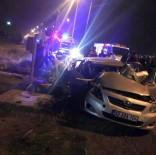 YÜK TRENİ - Tren Otomobile Çarptı Açıklaması1 Ölü, 2 Yaralı