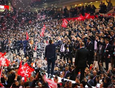 Yeniden Refah Partisi'nin kongresinde dikkat çeken karşılama! Salonda 'Mücahid Erbakan' sloganları