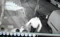 Bahçelievler'de Kapkaç Anı Kamerada