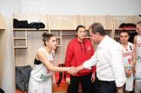 KADIN BASKETBOL TAKIMI - Başkan Seçer, Türkiye-Litvanya Maçı Coşkusuna Ortak Oldu