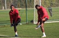 KENDİ KALESİNE - Eskişehirspor'un Gol Yükünü Yabancılar Çekiyor