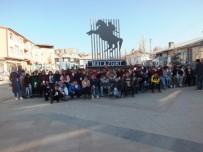 SULTAN ALPARSLAN - Yozgatlı Öğrenciler Malazgirt'i Ziyaret Etti