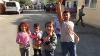 Antalya'da Mahalleli Hız-Kes Yapılması İçin Sokağa Döküldü