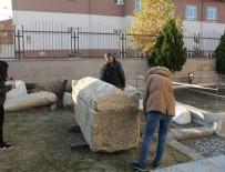 LAHİT - Çorum'da yol yapımı sırasında 2 bin yıllık lahit bulundu