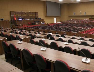 Eski Yargıtay üyesi Karayol'a 13 yıl 15 ay hapis cezası