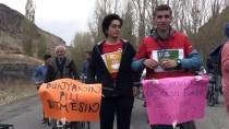 ÇEVRE SORUNLARI - Kadına Yönelik Şiddet Ve Çocuk İstismarına Dikkati Çekmek İçin Kafeste Oturdu
